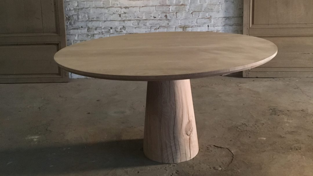 arnold-de-vinck-table-ronde-manger-copernic-chene-clair